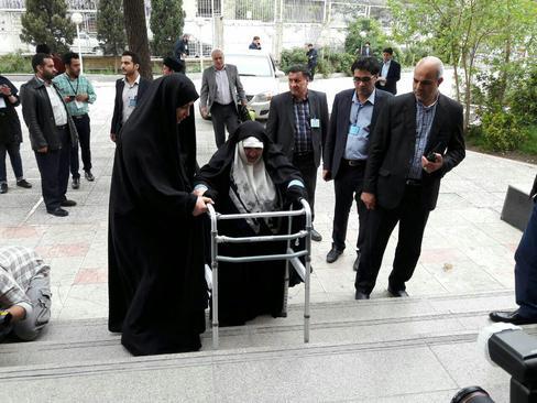اعظم طالقانی فرزند آیت الله طالقانی در انتخابات ریاست جهوری ثبت نام کرد
