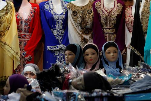 لباس های زنانه در نمایشگاه سالانه فرهنگ اسلامی در حومه پاریس