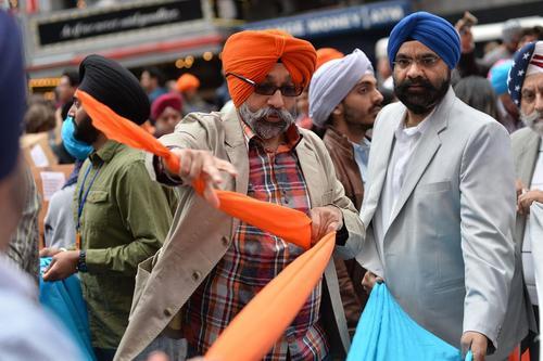 گردهمایی 7 هزار نفری سیک های هندی در میدان تایمز نیویورک در روز عمامه هندی