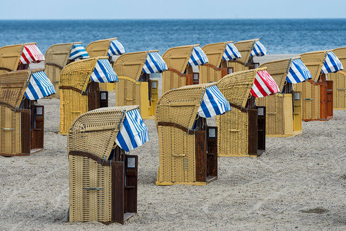 دکه های کنار ساحل برای تعویض لباس – آلمان