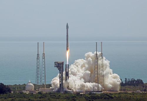 پرتاب یک فضاپیمای باری به مقصد ایستگاه فضایی بین المللی از پایگاه فضایی کندی در کیپ کاناورال فلوریدا آمریکا