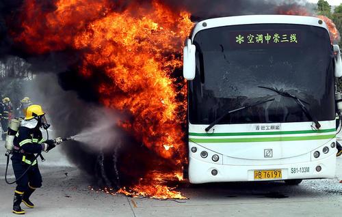 مانور آتش نشانها در شانگهای چین