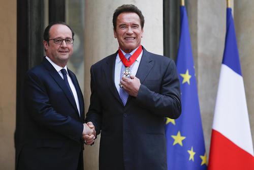 اعطای نشان شوالیه فرانسه به