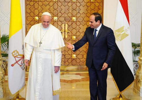 استقبال عبدالفتاح السیسی رییس جمهور مصر از پاپ فرانسیس در قاهره