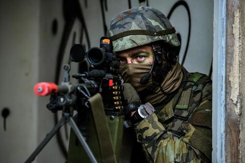 مانور مشترک نیروهای نظامی آمریکا و جمهوری چک در منطقه رالسکو جمهوری چک