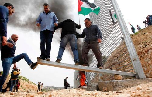 تظاهرات اعتراض فلسطینی ها علیه ادامه اشغالگری اسرائیل در بیت لاهیا