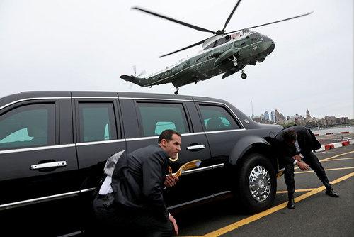 لحظه نشستن هلی کوپتر حامل رییس جمهور آمریکا در شهر نیویورک