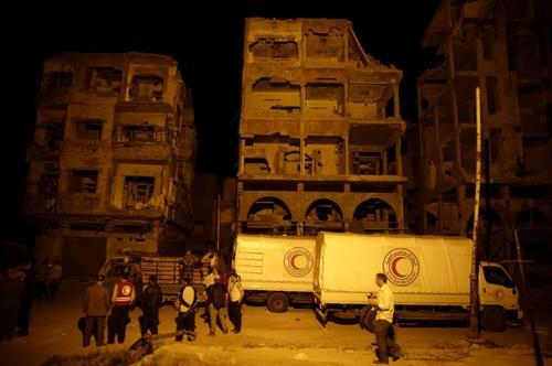 رسیدن محموله های کمکی غذایی و دارویی به مناطق تحت تسلط مخالفان مسلح حکومت سوریه در شهر دوما