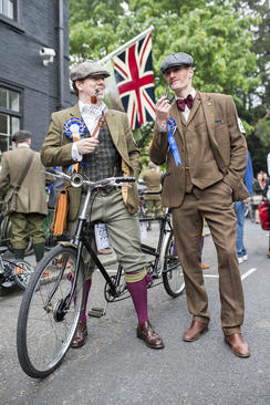 جشنواره سالانه دوچرخه سواری با لباس فاستونی در لندن