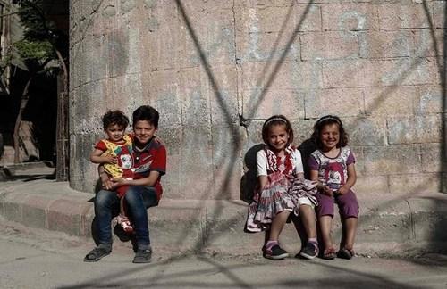 کودکان آواره جنگی سوری در شهر دوما در حومه دمشق