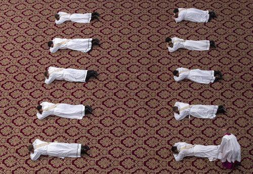 آیین تحلیف کشیش های جدید کلیسای واتیکان