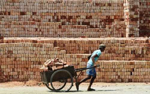 کارگاه آجرسازی در کلکته هند