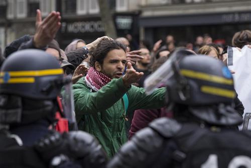 اعتراضات علیه نتیجه انتخابات ریاست جمهوی فرانسه – پاریس