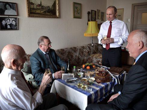 حضور ولادیمیر پوتین در منزل