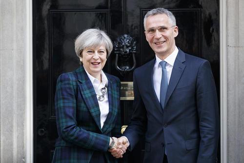 دیدار دبیر کل ناتو و نخست وزیر بریتانیا – مقر نخست وزیری بریتانیا در لندن