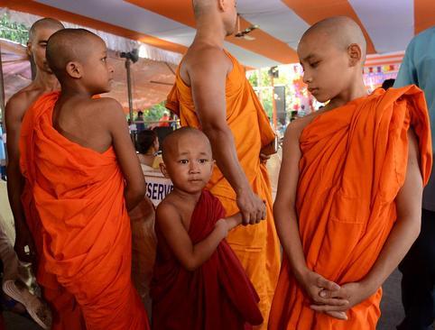 یک جشنواره بودایی ها در کلکته هند