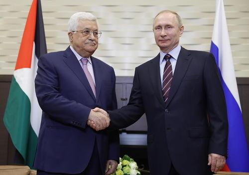 دیدار رهبران روسیه و فلسطین در شهر بندری سوچی روسیه