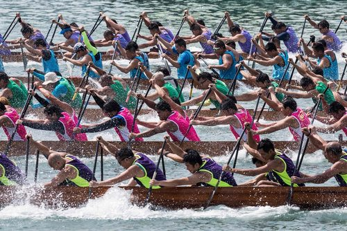 مسابقه قایقرانی در هنگ کنگ