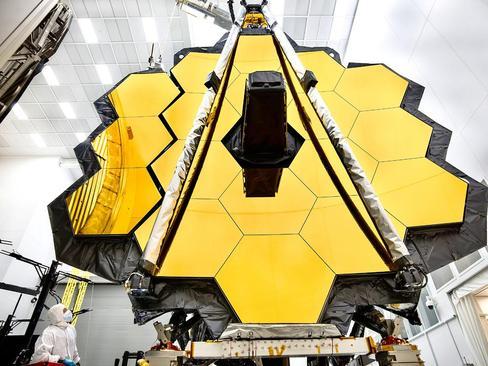 تست اولیه آیینه بزرگ تلسکوپ فضایی