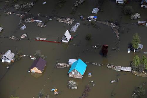 سیلاب بهاری در شهر ایشیم روسیه
