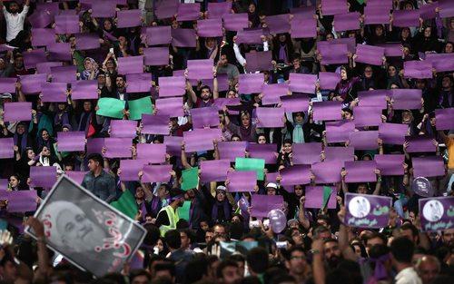 سخنرانی حسن روحانی نامزد انتخابات ریاست جمهوری ایران در جمع مردم زنجان