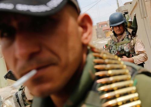 نیروهای ویژه ارتش عراق برای نبرد با داعش در منطقه غربی شهر موصل