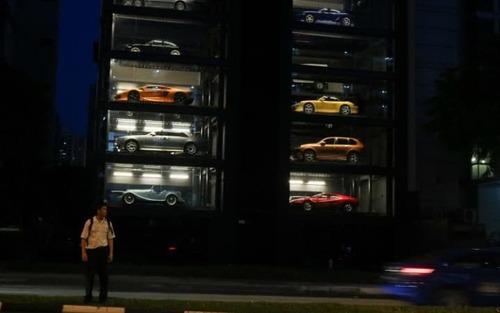 افتتاح یک برج 15 طبقه ارایه و عرضه خودروهای لوکس در سنگاپور