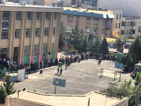 صف رای در محله مرزداران تهران