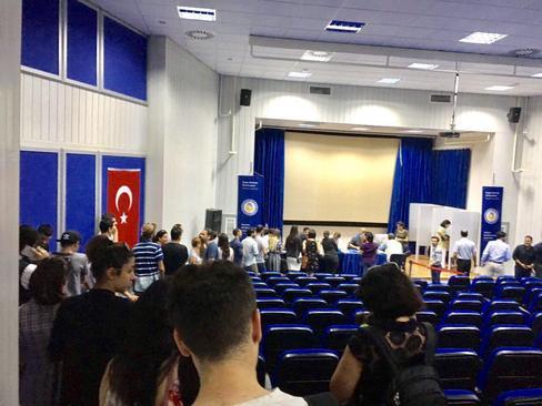 صف رای ایرانی ها - قبرس شمالی / دانشگاه EMU