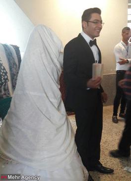 حضور عروس و داماد برای شرکت در انتخابات ۹۶