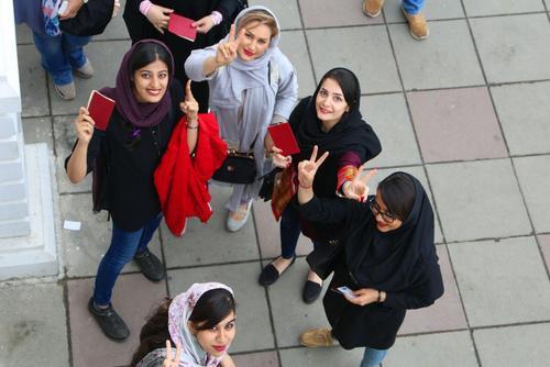 صف رای در رشت/ عصر ایران