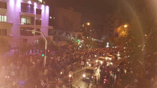جشن پیروزی انتخابات در میدان ونک تهران