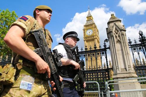 استقرار صدها نیروی ارتش بریتانیا در خیابان های لندن از بیم تکرار حملات تروریستی