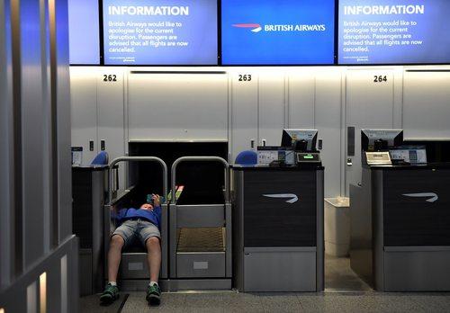 تاخیر در پروازهای فرودگاه های لندن به خاطر یک اختلال سیستمی