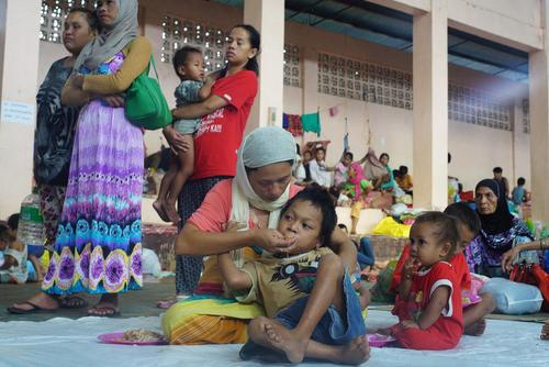 آوارگان جنگی گریخته از دست شبه نظامیان وابسته به داعش در شهر ماراوی در جنوب فیلیپین