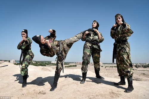 تمرینات نینجاهای زن ایرانی در قلعه خوقین در منطقه شهریار