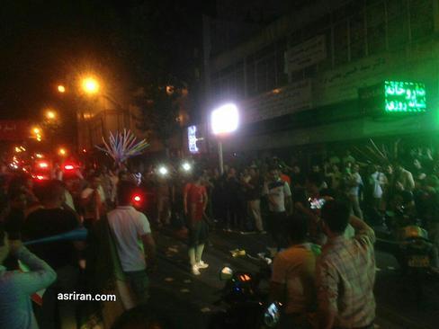 جشن و شادی مردم در خیابان های تهران برای صعود به جام جهانی
