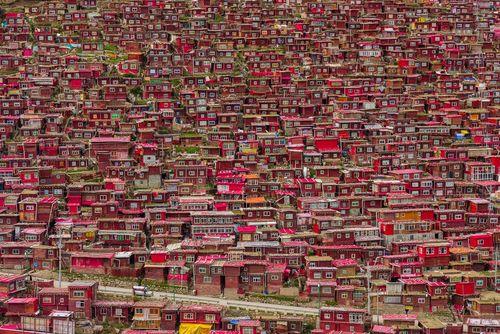 محله مسکونی راهب های بودایی تبتی موسوم به آکادمی