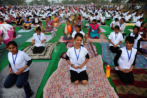 روز جهانی یوگا در الله آباد و راجستان هند