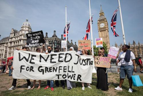 تجمع برای احقاق حقوق قربانیان حادثه آتش سوزی برج گرنفل در لندن