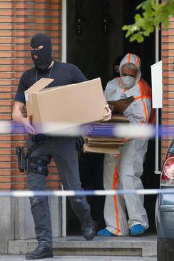پلیس ضد تروریست بلژیک در حال بررسی خانه عامل حمله تروریستی اخیر در مترو بروکسل – بروکسل