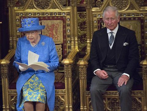 حضور و سخنرانی ملکه بریتانیا و فرزندش (ولیعهد) در مراسم سالانه آغاز به کار پارلمان بریتانیا