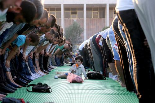 نماز عید فطر در شهر تیرانا پایتخت آلبانی