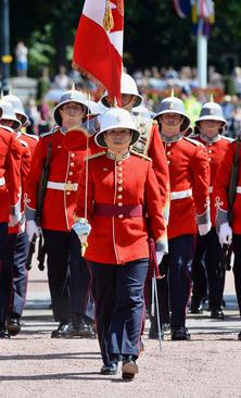 انتصاب یک زن به سمت فرمانده گارد تشریفات ملکه بریتانیا . این اتفاق برای نخستین بار در 180 سال گذشته صورت گرفته است