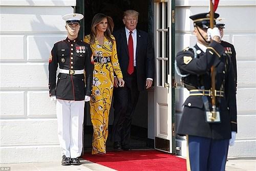 این لباس ملانیا ترامپ یک شبه 700 هزار دلار فروش رفت! (+عکس)