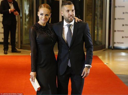 جوردی آلبا هم باشگاهی مسی و از مهمانان مراسم عروسی او به همراه معشوقه اش