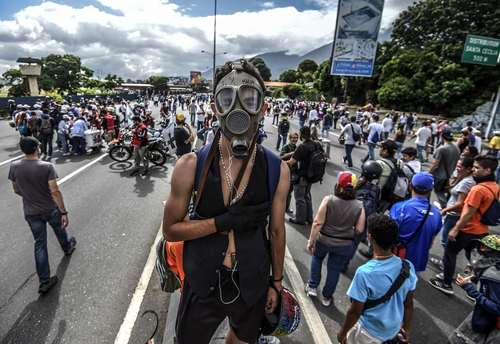 ادامه تظاهرات ضد حکومتی در پایتخت ونزوئلا