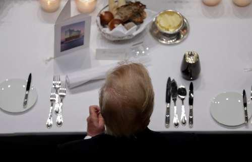 ترامپ سر میز شام