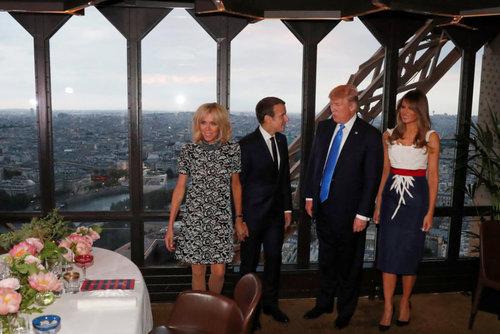 شام دو رهبر در رستوران