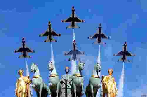 نمایش هوایی روز ملی فرانسه در پاریس